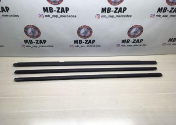 Молдинг стекла двери на Mercedes W211  A2117300124