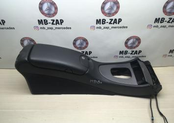 Подлокотник под телефон Mercedes W209  2096803550