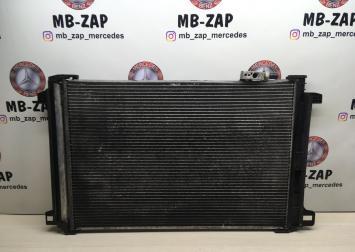 Радиатор кондиционера Mercedes W204 2045000554