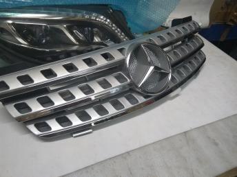 Mercedes W 164 Серая решетка радиатора Grey