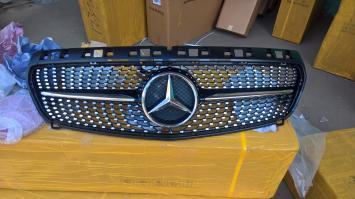 Mercedes W 176 Решетка радитора Black (Черная)