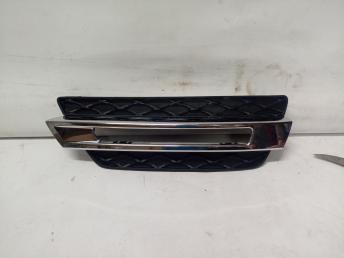 Mercedes W 166 GL сетка с хромом на ходовой слева