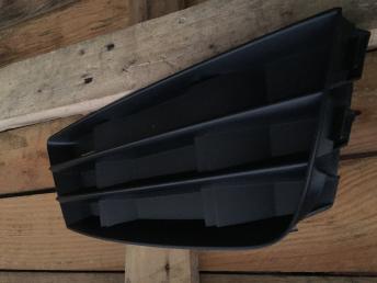 Ауди Audi а4 в9 A4 8w B9 решетка птф правая