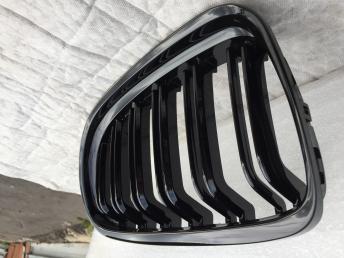 БМВ 3 Е90 E90 решетка радиатора черная