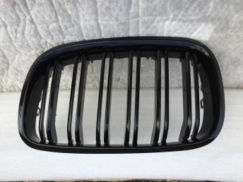 БМВ Х5 Е70 BMW X5 E70 Решетка радиатора черная