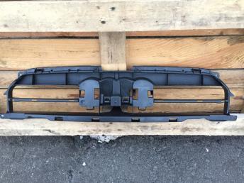 Ауди Audi а4 a4 8k крепление решетки радиатора