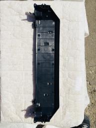 БМВ BMW Х5 Х6 Кронштейн радиатора