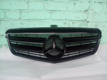 Решетка радиатора AMG амг Mercedes W212 черная