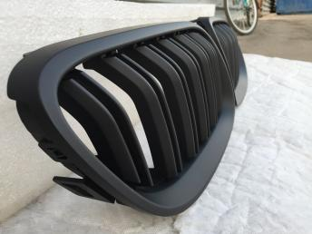 БМВ BMW 3 Е92 E92 решетка радиатора  черная